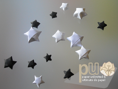 black and white 3D origami stars